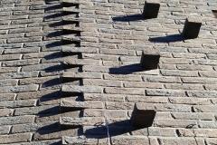 Fragment zuidgevel - versiering stenen